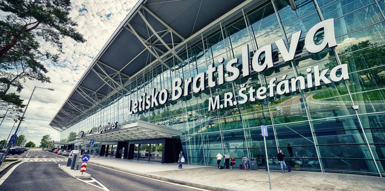 Parkování na letišti v Bratislavě