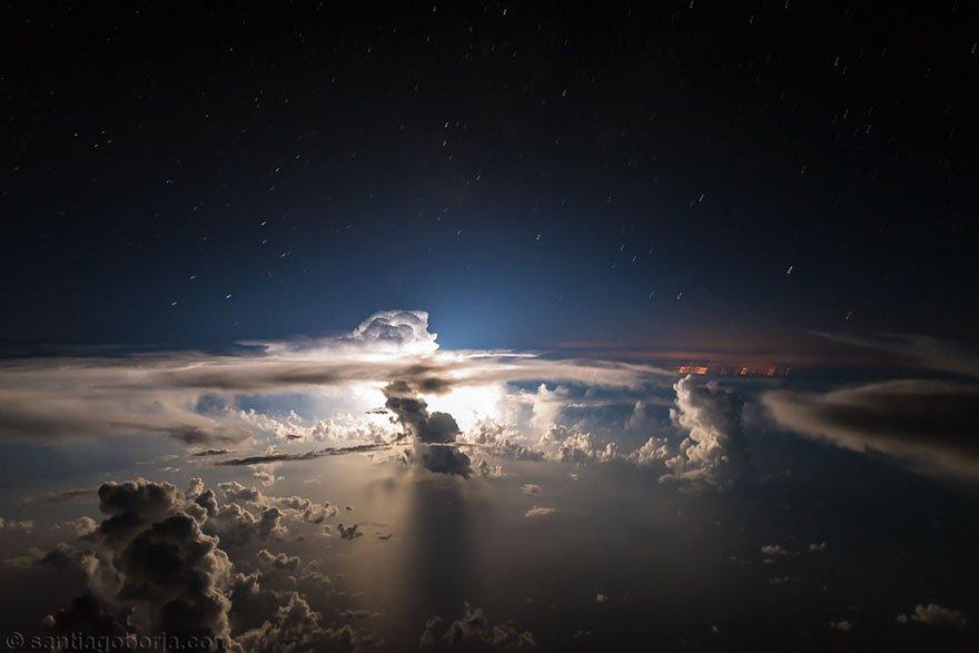 Noční obloha nad Atlantickým oceánem, foto: Santiago Borja Lopez