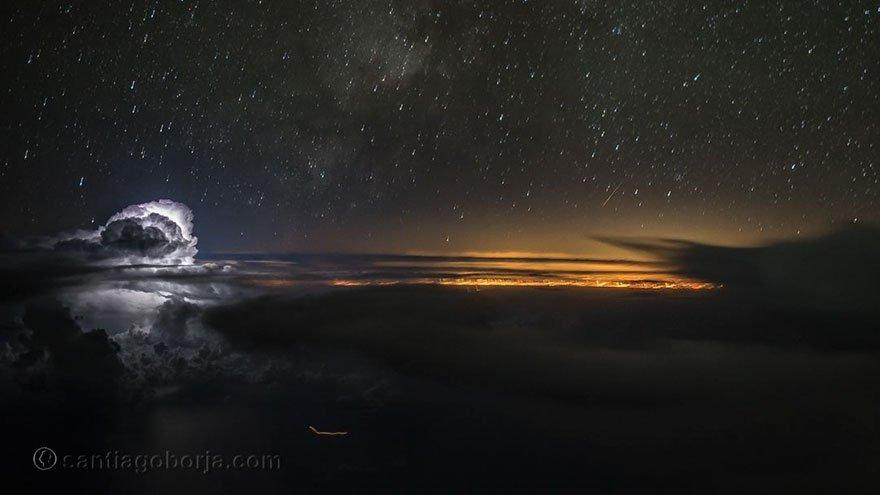 Noční obloha, foto: Santiago Borja Lopez